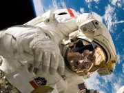"""Đã có cách cứu các phi hành gia  """" lạc trôi """"  trong vũ trụ"""