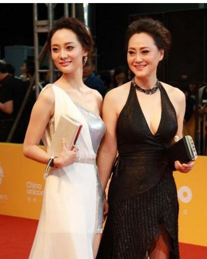 Những cặp mẹ đẹp con xinh hơn cả hoa hậu của showbiz Hoa - 3