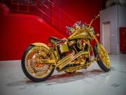 Ngắm  núi vàng di động  Harley Davidson Custom
