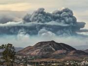 """"""" Mây tận thế """"  cao 9km xuất hiện trên  """" hỏa ngục """"  ở Mỹ"""