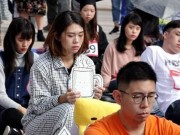 """Kì dị cuộc thi """"ngồi im như phỗng"""" ở Đài Loan"""