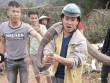 Rùng mình xem lại cảnh người dân vây bắt những con rắn khổng lồ