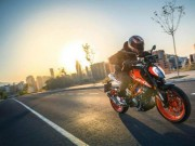 """KTM Duke 390 giành giải thưởng  """" Chiếc xe của năm """""""