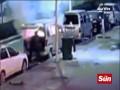 Thế giới - TQ: Thanh niên bị lửa trùm đầu vẫn lao vào xe cháy rực cứu mẹ