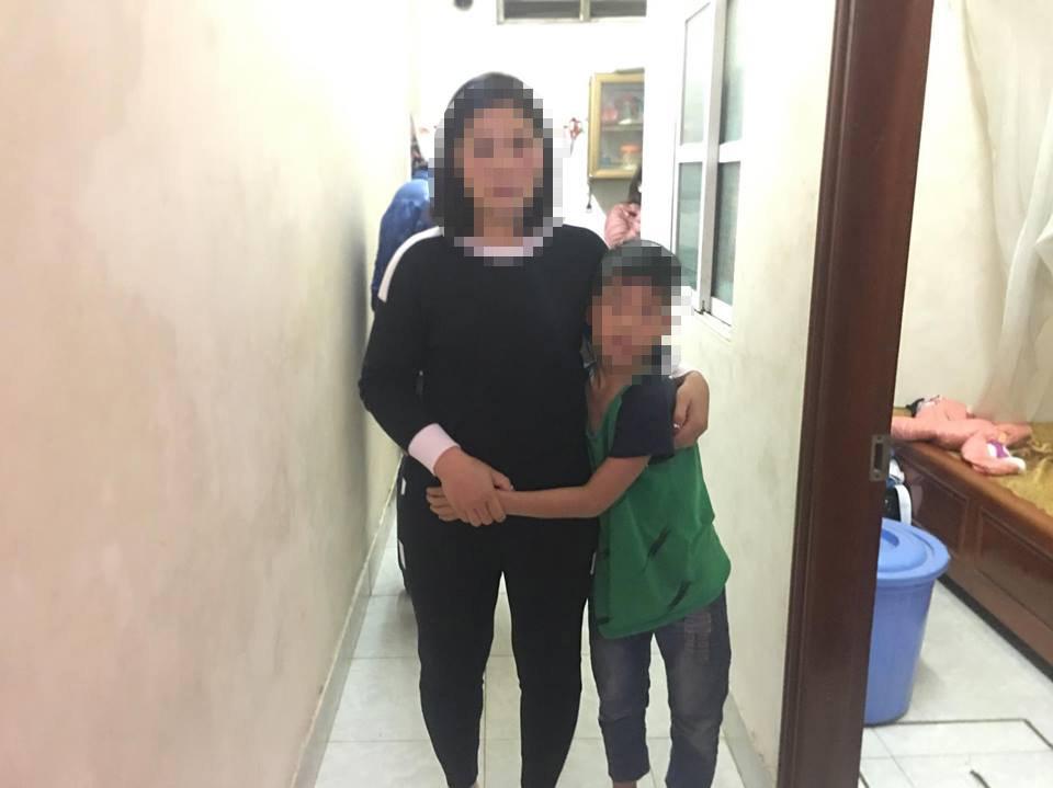 Quyết định bất ngờ của mẹ bé trai 9 tuổi bị bố đánh chi chít sẹo - 1