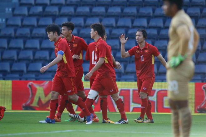 U23 Việt Nam đả bại Thái Lan: Công Phượng tỏa sáng 2 bàn, hay nhất trận - 1