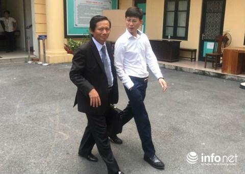 Luật sư của ông Đinh La Thăng đang bào chữa tại đại án OceanBank - 1