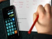 Pháp cấm học sinh dùng điện thoại di động trong trường học