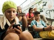 Pháp: Trẻ dưới 16 tuổi không được mở Facebook tùy tiện