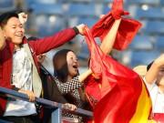 """Hạ U23 Thái Lan, Công Phượng & 2 bóng hồng """"đại náo"""" sân Buriram"""