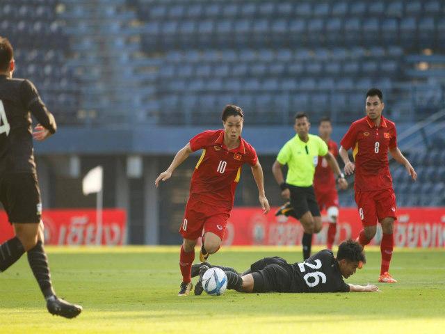 TRỰC TIẾP U23 Thái Lan - U23 Việt Nam: Công Phượng tỏa sáng, đánh đầu cháy lưới