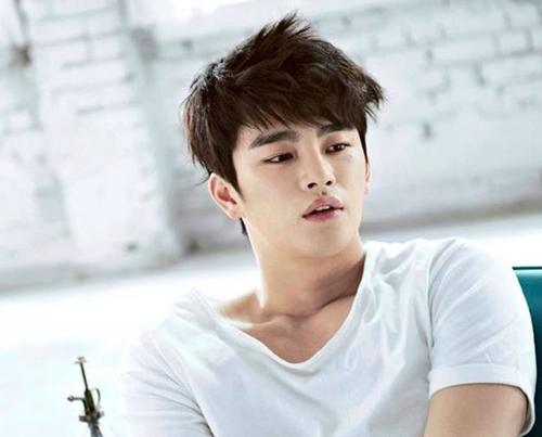 Lee Min Ho bật mí bí mật da đẹp thách thức hội chị em - 8