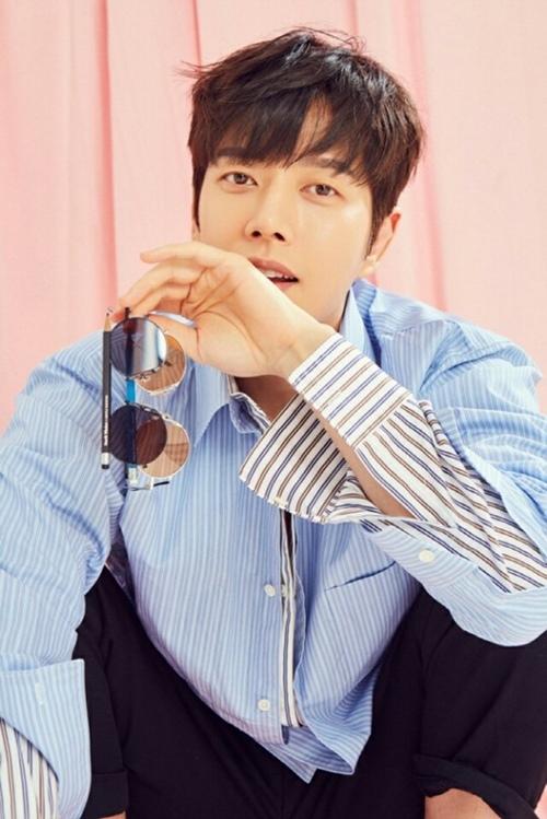 Lee Min Ho bật mí bí mật da đẹp thách thức hội chị em - 9
