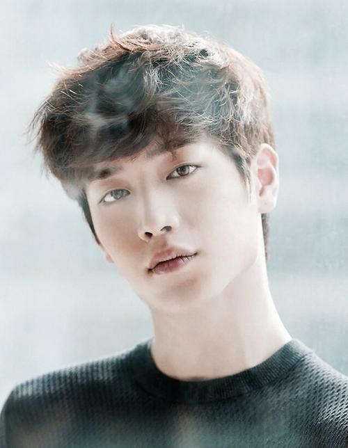 Lee Min Ho bật mí bí mật da đẹp thách thức hội chị em - 10