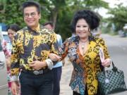Sau 9 đám cưới, MC Thanh Bạch khẳng định sẽ tiếp tục kết hôn Thúy Nga Paris