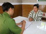 Bắt khẩn cấp người phụ nữ bế trẻ sơ sinh ra khỏi cổng bệnh viện