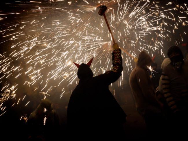 """10 đại tiệc đón năm mới 2018 """"nóng rẫy"""" trên khắp hành tinh - 10"""