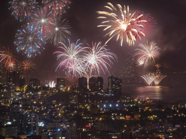 """10 đại tiệc đón năm mới 2018 """"nóng rẫy"""" trên khắp hành tinh - 8"""