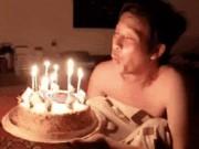 """Con trai chia sẻ clip Hoài Linh  """" đầu bù tóc rối """"  đón sinh nhật"""