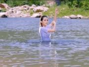 """Cô gái nóng bỏng khiến Trường Giang và Nhã Phương  """" sóng gió """""""