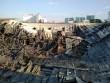 Người dân  chết đứng  trở về nhà sau đám cháy tại xưởng nhựa