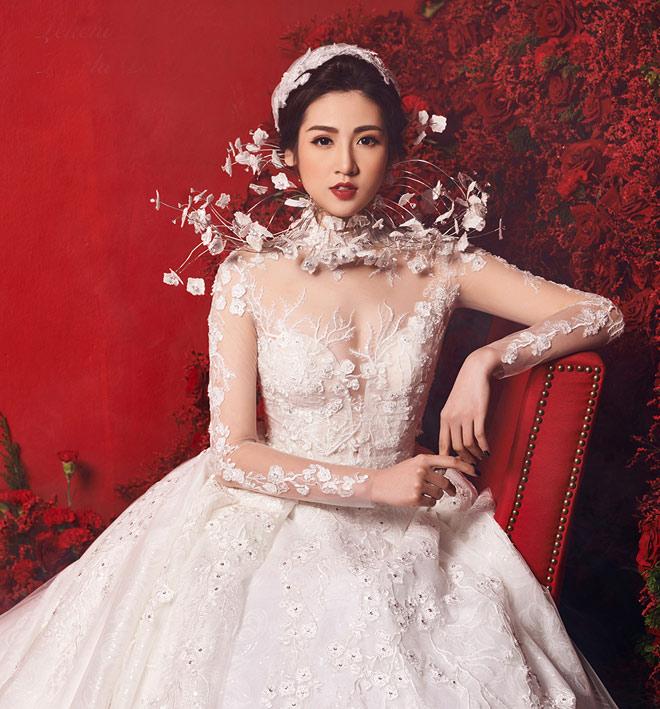 """""""Bạn gái Noo Phước Thịnh"""" mặc váy cưới 3 tỷ đồng - 1"""