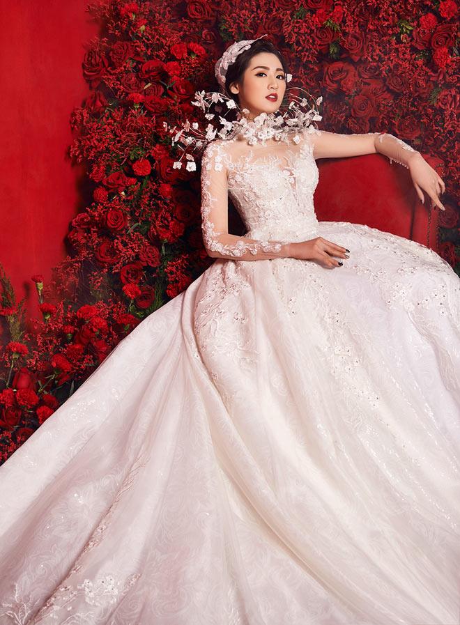 """""""Bạn gái Noo Phước Thịnh"""" mặc váy cưới 3 tỷ đồng - 4"""