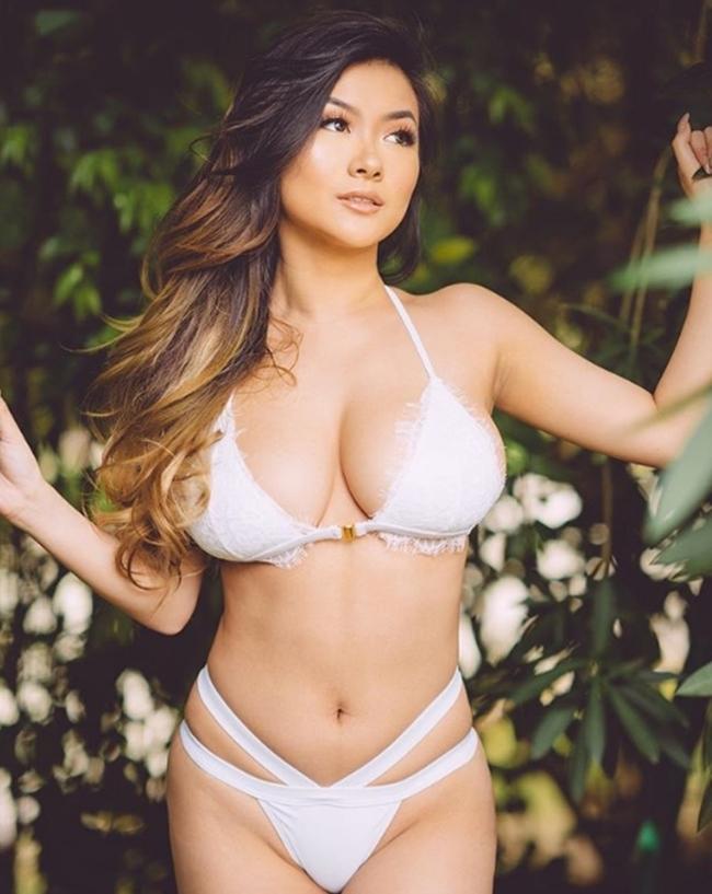 Chỉ nhờ việc chăm chỉ đăng tải những bức ảnh  selfie  lên mạng xã hội, cô gái trẻ Vicki Li thu về cho mình tới 1,4 triệu fan trên mạng xã hội Instagram.