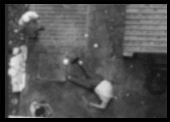Rơi từ lầu 10 bệnh viện xuống đất, một người tử vong - 1