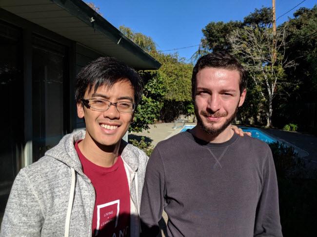 Đây là nhà trọ dành cho những sinh viên theo học tại trường kinh doanh Stanford. Mỗi năm, một nhóm sinh viên thuê nhà trong 1 năm trước khi chuyển cho khóa sau. Cư dân hiện tại bao gồm Derek Tsoi và Shalva Daushvili.