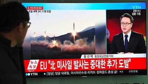 """Cảnh báo """"ớn lạnh"""" nếu Mỹ tấn công Triều Tiên - 1"""