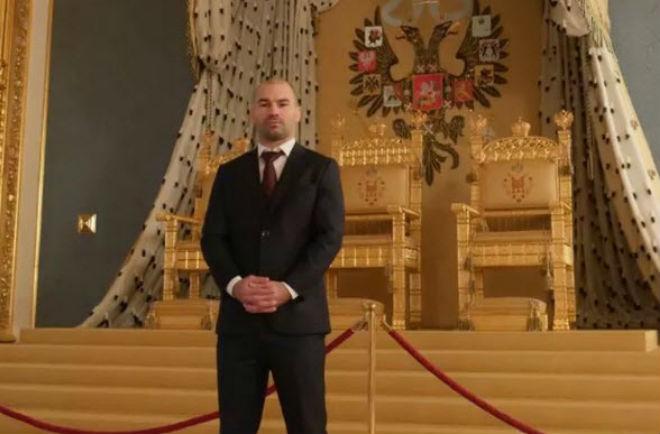 Giật mình: Đàn em McGregor làm thầy vệ sỹ của Putin, mật vụ Nga - 1