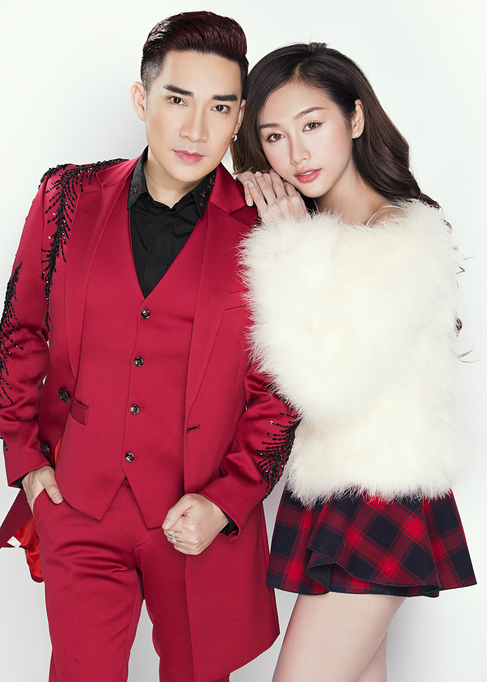 Nữ DJ mặc mát mẻ đón Giáng sinh bên ca sĩ Quang Hà - 3
