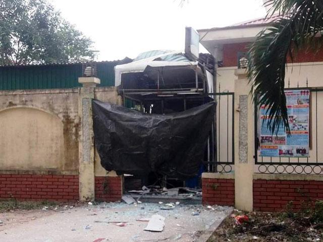 Cây ATM nổ banh ở Nghệ An: Có mất tiền? - 1