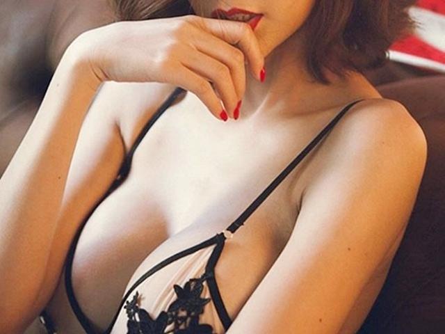 Phát ngượng vì vợ nâng ngực to như quả bóng, đi đâu ai cũng xì xào - 1