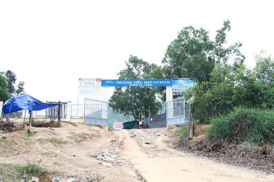 """Đề nghị Bộ Y tế vào cuộc vụ nữ sinh """"lên đồng"""" tập thể ở Đắk Lắk - 2"""