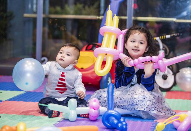 Vợ chồng Jennifer Phạm làm tiệc thôi nôi hoành tráng cho con trai - 5