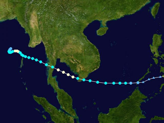 """Bản tin bão 15h: Bão số 16 di chuyển """"thần tốc"""", sóng biển cao 10m - 2"""