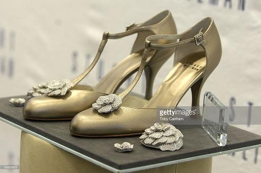 Đôi giày hoa hồng trị giá 22,8 tỷ đồng – niềm khát khao của mọi phụ nữ - 4