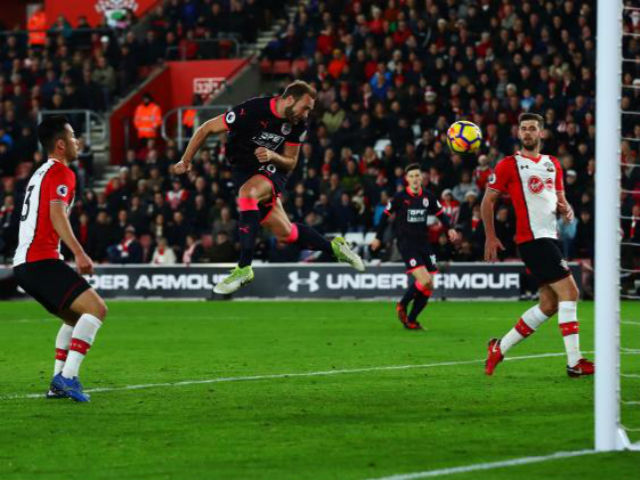 """Video, kết quả bóng đá Southampton - Huddersfield: """"Siêu phản lực"""" đọ tài oanh tạc"""