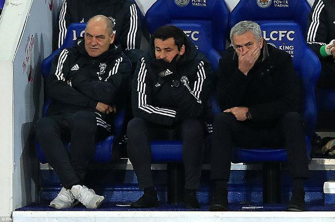 """MU đua Man City: Mourinho nổi điên, mắng học trò """"vụng dại"""" - 2"""