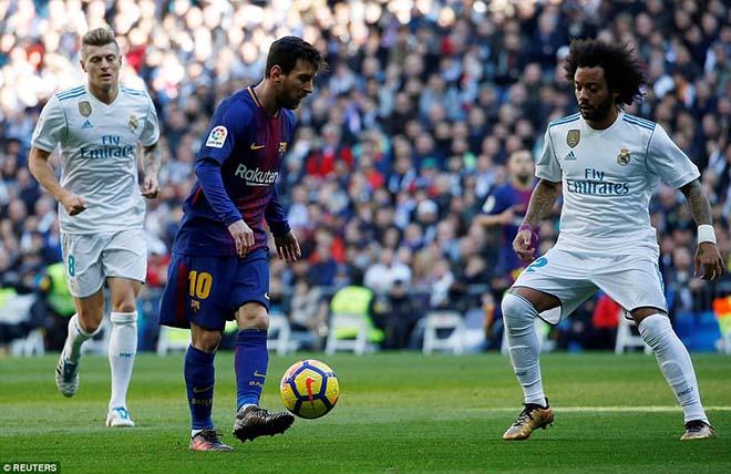 Messi đi tất hạ Real: Từ chân không giày đến... Giày vàng, Bóng vàng - 3