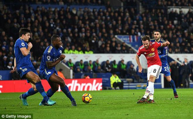 """Leicester - MU: Cú đúp siêu phàm, """"vỡ tim"""" phút 94 - 1"""