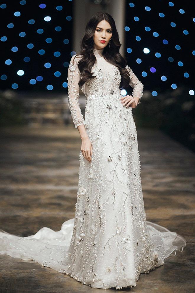 Hoa hậu Kỳ Duyên: Ngôi sao đường băng đắt show nhất năm 2017? - 10