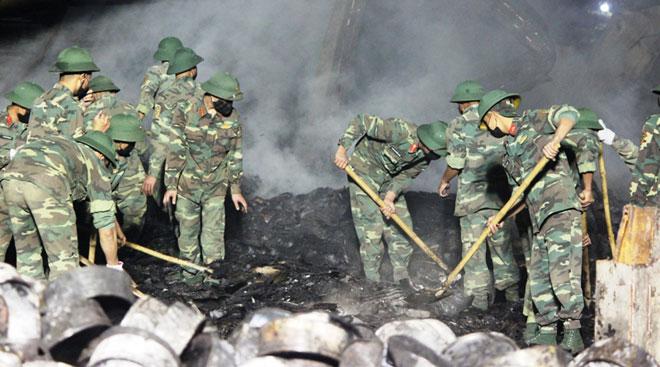 Cháy công ty bánh kẹo: Tìm thấy thi thể nạn nhân thứ hai - 1