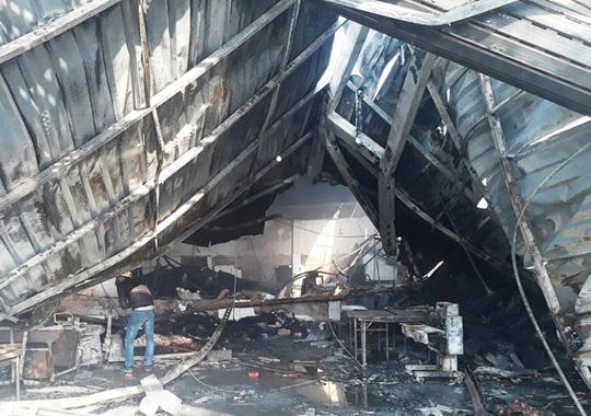 Vụ cháy công ty bánh kẹo: Tìm thấy thêm 2 thi thể cháy đen - 8