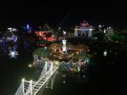 Kinh đô Công giáo  người chật như nêm trong đêm Noel
