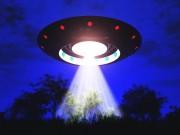Ông trùm phim kinh dị thừa nhận đã từng tiếp xúc với UFO