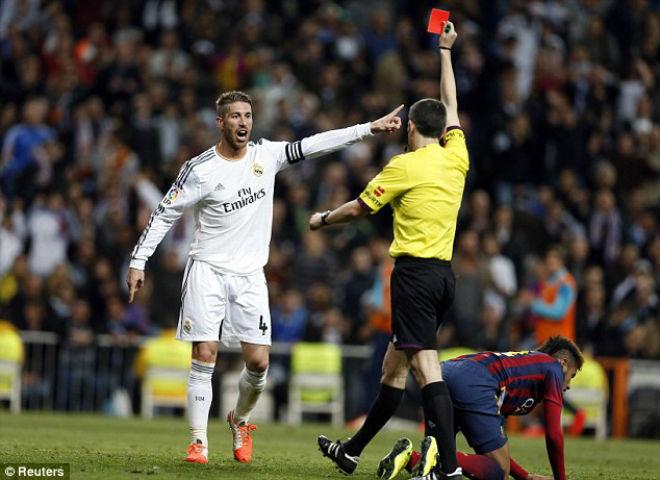 """Thua Barca: """"Đại ca"""" Ramos đập phá, tố 2 """"cừu đen"""", Real đại loạn - 1"""