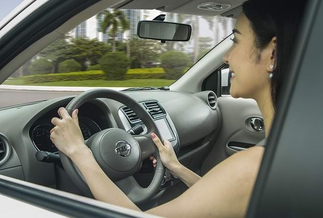Nissan Sunny Premium S - Chiếc sedan nhỏ nhắn, kinh tế dành cho gia đình - 3